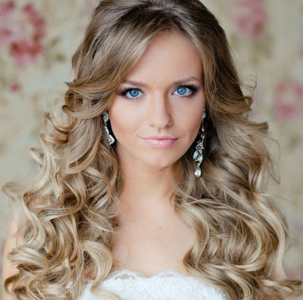 Most Recently Released Wedding Hairstyles For Long Wavy Hair Pertaining To Easy Cute Wedding Hairstyles With Layers For Long Thick Curly Hair (View 10 of 15)