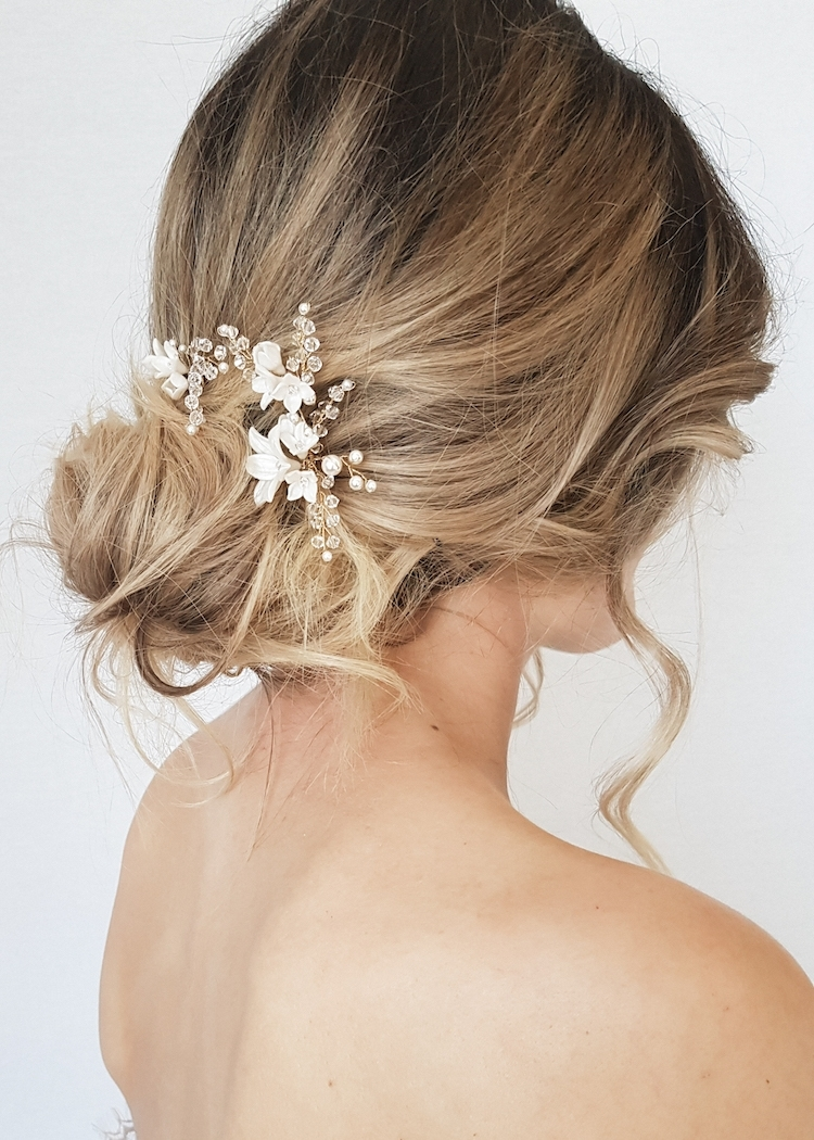 Newest Messy Updos Wedding Hairstyles Pertaining To 24 Gorgeous Messy Wedding Updos – Tania Maras (View 9 of 15)