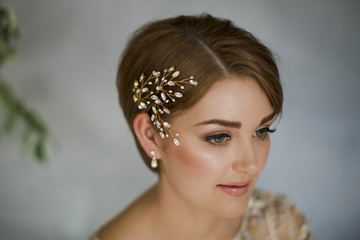 Newest Wedding Hairstyles For Short Hair With 35 Modern Romantic Wedding Hairstyles For Short Hair (View 13 of 15)