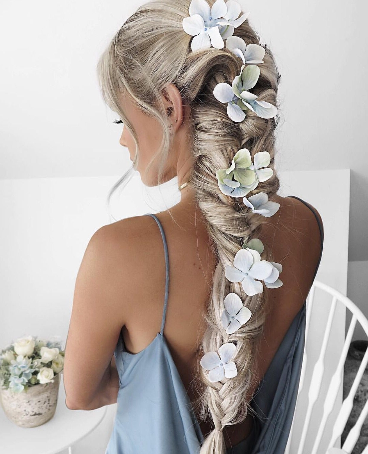 Quirky Hair Ideas. Flowers In Braid. (Gallery 3 of 15)