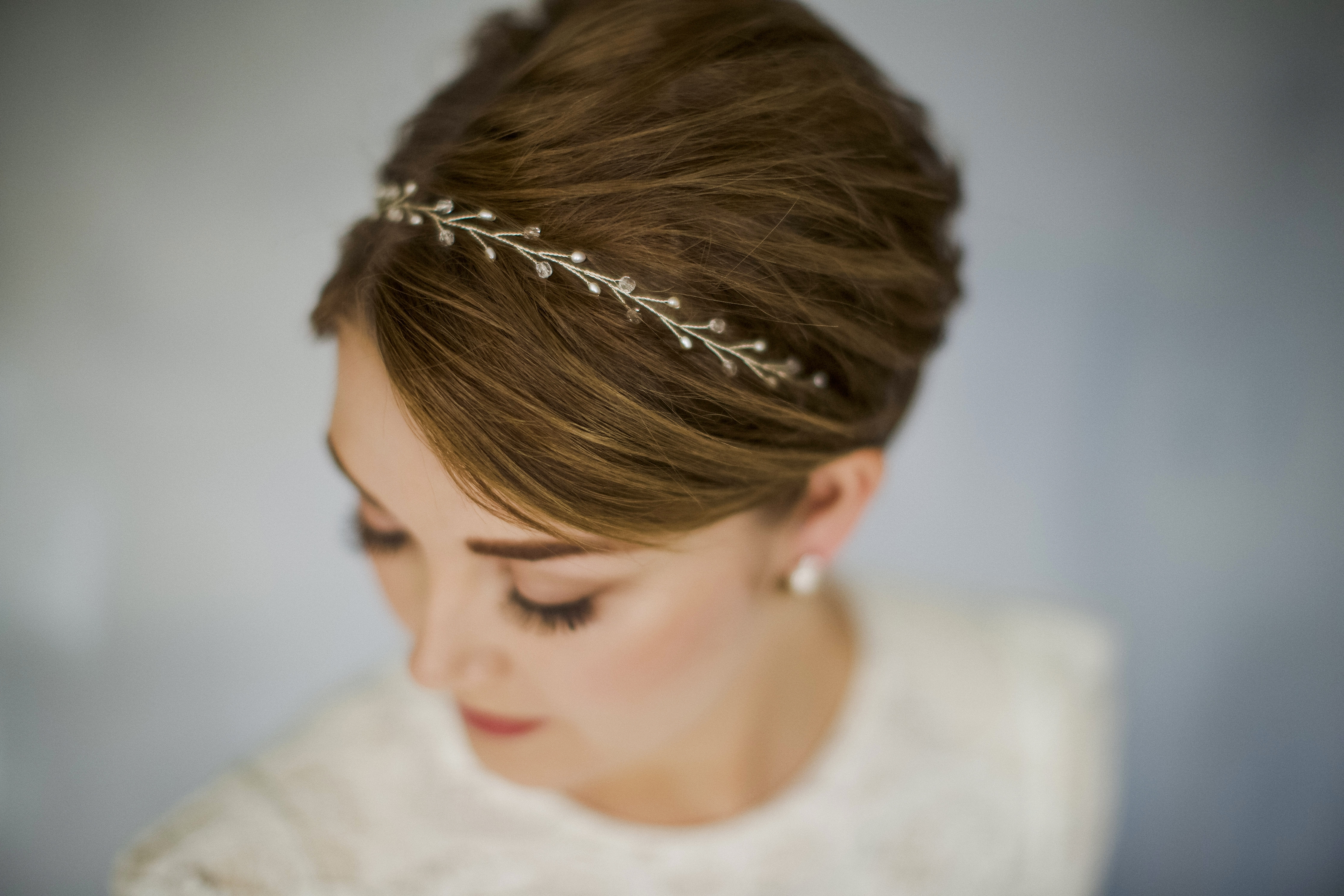 Recent Wedding Hairstyles With Accessories In How To Style Wedding Hair Accessories With Short Hair (View 11 of 15)