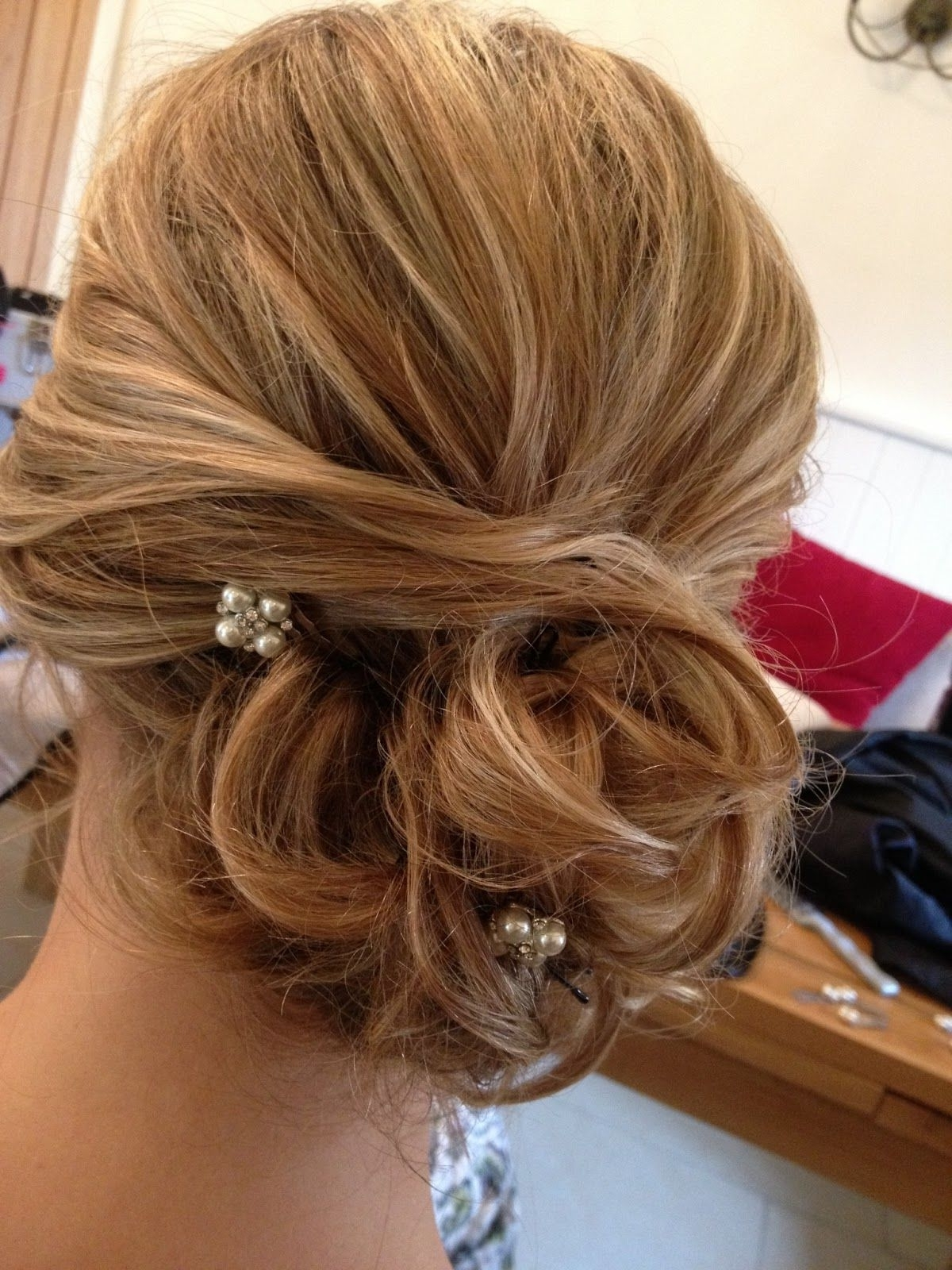 Showing Pic Gallery For > Wedding Hairstyles Side Bun With Flower Within Preferred Buns To The Side Wedding Hairstyles (View 6 of 15)