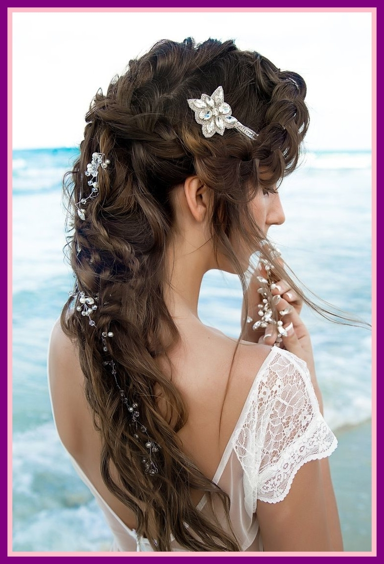 Stunning Best Beach Wedding Hair Styles Bridal Picture Of Hairstyles Throughout Fashionable Beach Wedding Hairstyles (View 13 of 15)