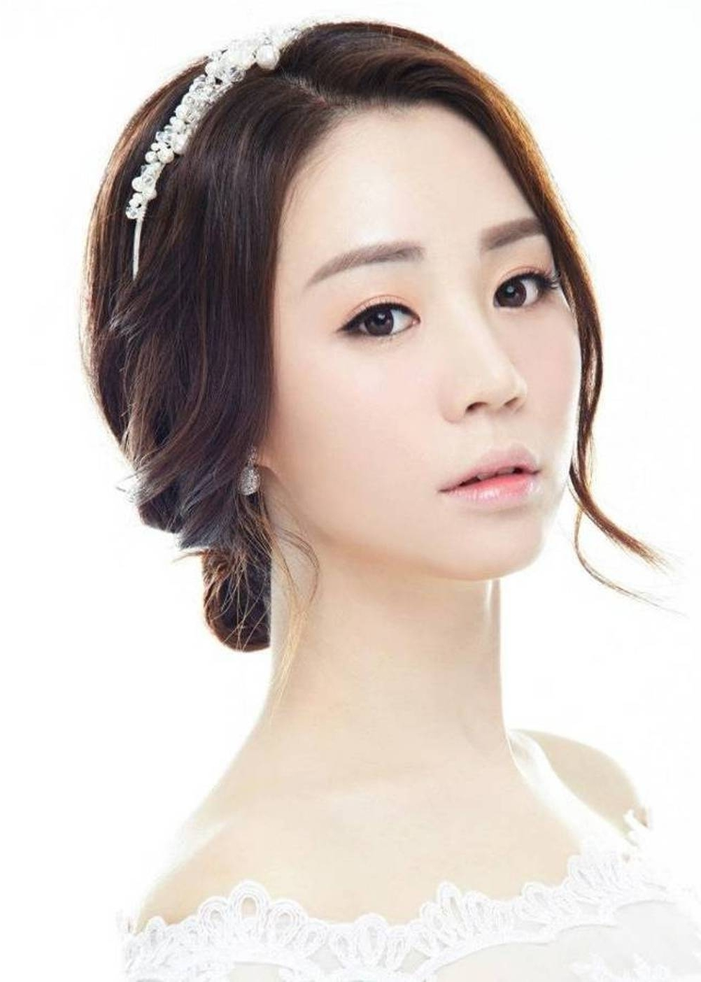 Trending Korean Wedding Hair Ideas On Outstanding Asian Hairstyles Within Most Recently Released Korean Wedding Hairstyles For Long Hair (View 11 of 15)