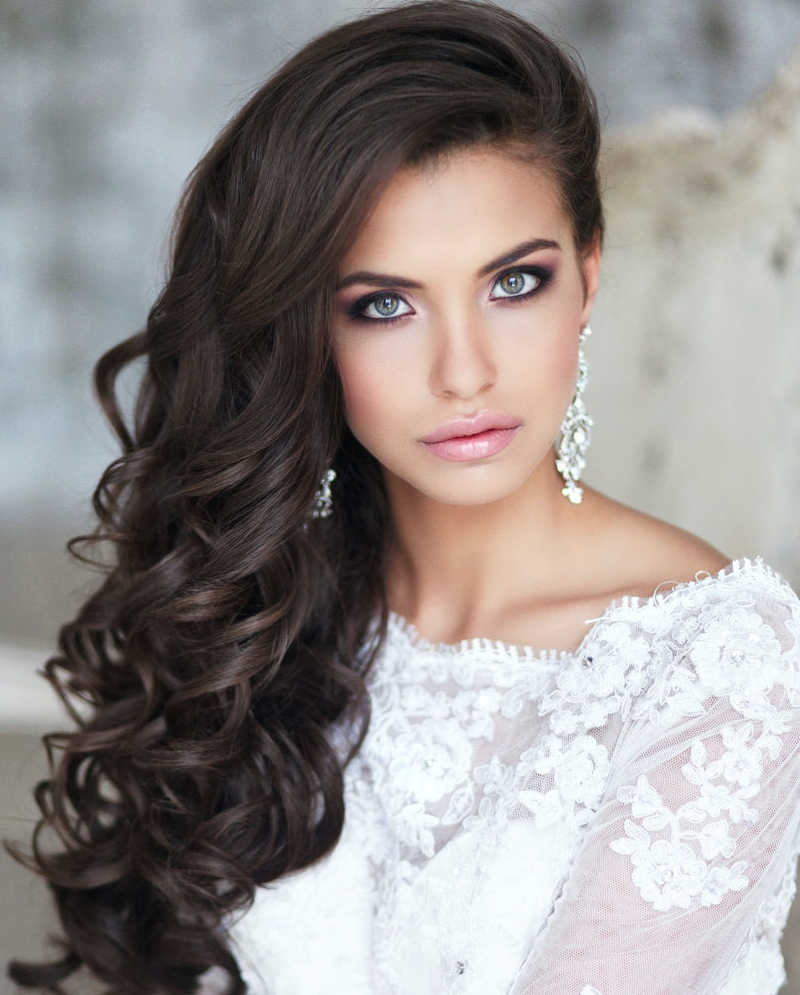 Voluminous Curls – Elegant Wedding Hairstyle Idea Pertaining To Latest Wedding Hairstyles For Long Hair Pulled To The Side (View 11 of 15)