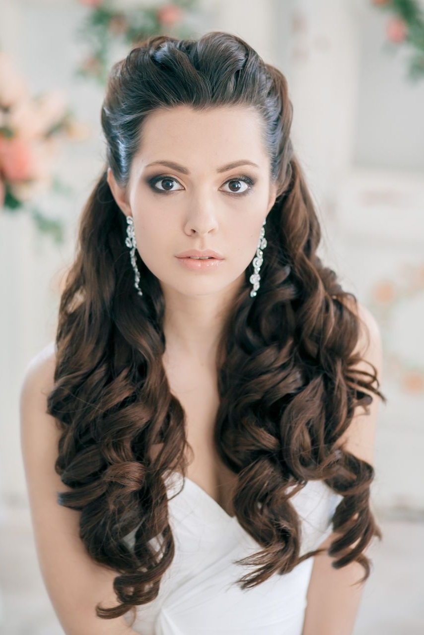 Wedding Hair Inspiration: 12 Ways To Wear Your Long Hair Down With Popular Wedding Hairstyles With Long Hair Down (View 7 of 15)