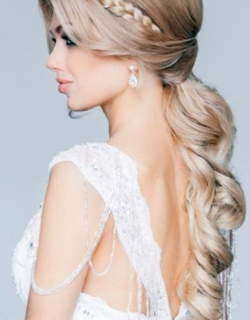 Wedding Hairstyle Down Curly Easy Bridesmaid Hairstyles Down Easy For Favorite Easy Wedding Hair For Bridesmaids (View 11 of 15)