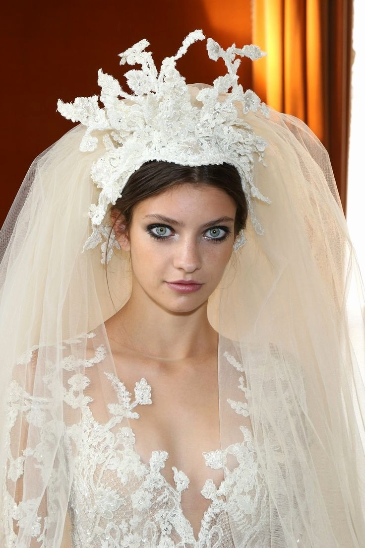 Wedding Hairstyles Downth Veil And Tiara For Long Hair Half Up For Favorite Wedding Hairstyles With Veil And Tiara (View 11 of 16)