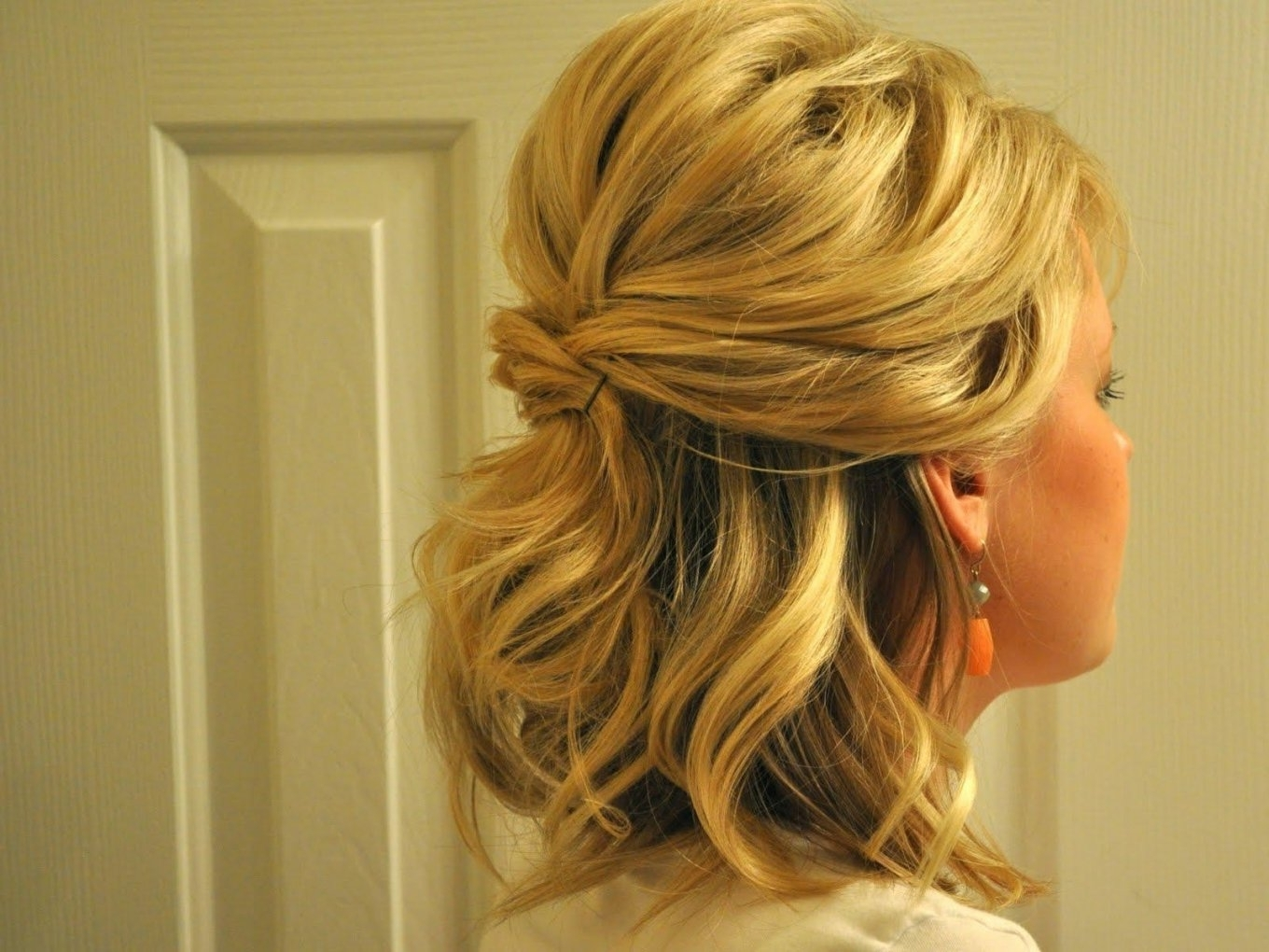 Wedding Hairstyles For Bridesmaids With Medium Length Hair (View 14 of 15)