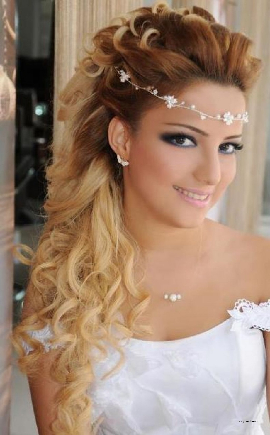 Wedding Hairstyles For Long Hair Half Up Half Down With Headband In Latest Wedding Hairstyles For Long Hair With Headband (View 13 of 15)