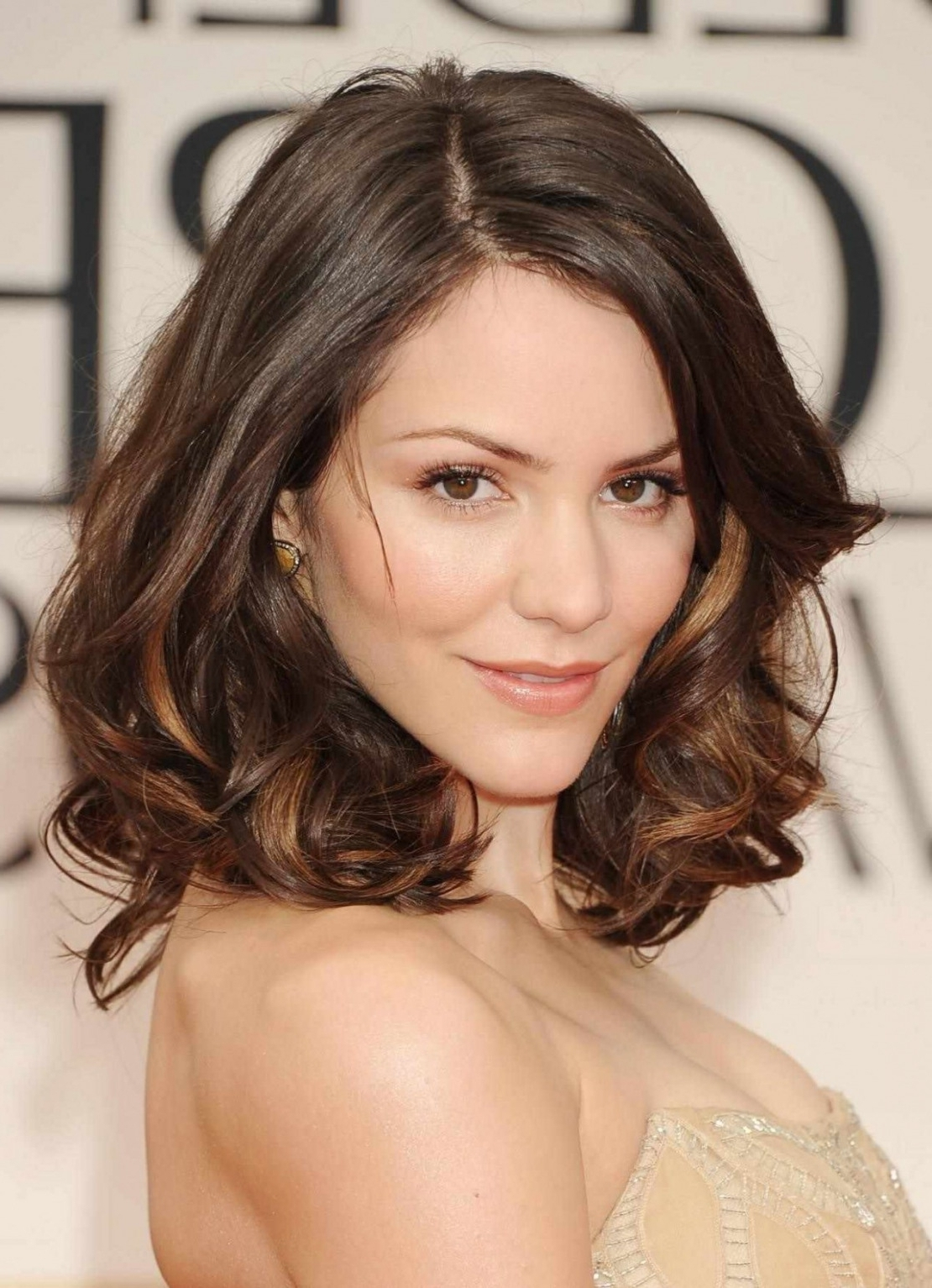 Photo Gallery of Wedding Hairstyles For Round Face With Medium ...