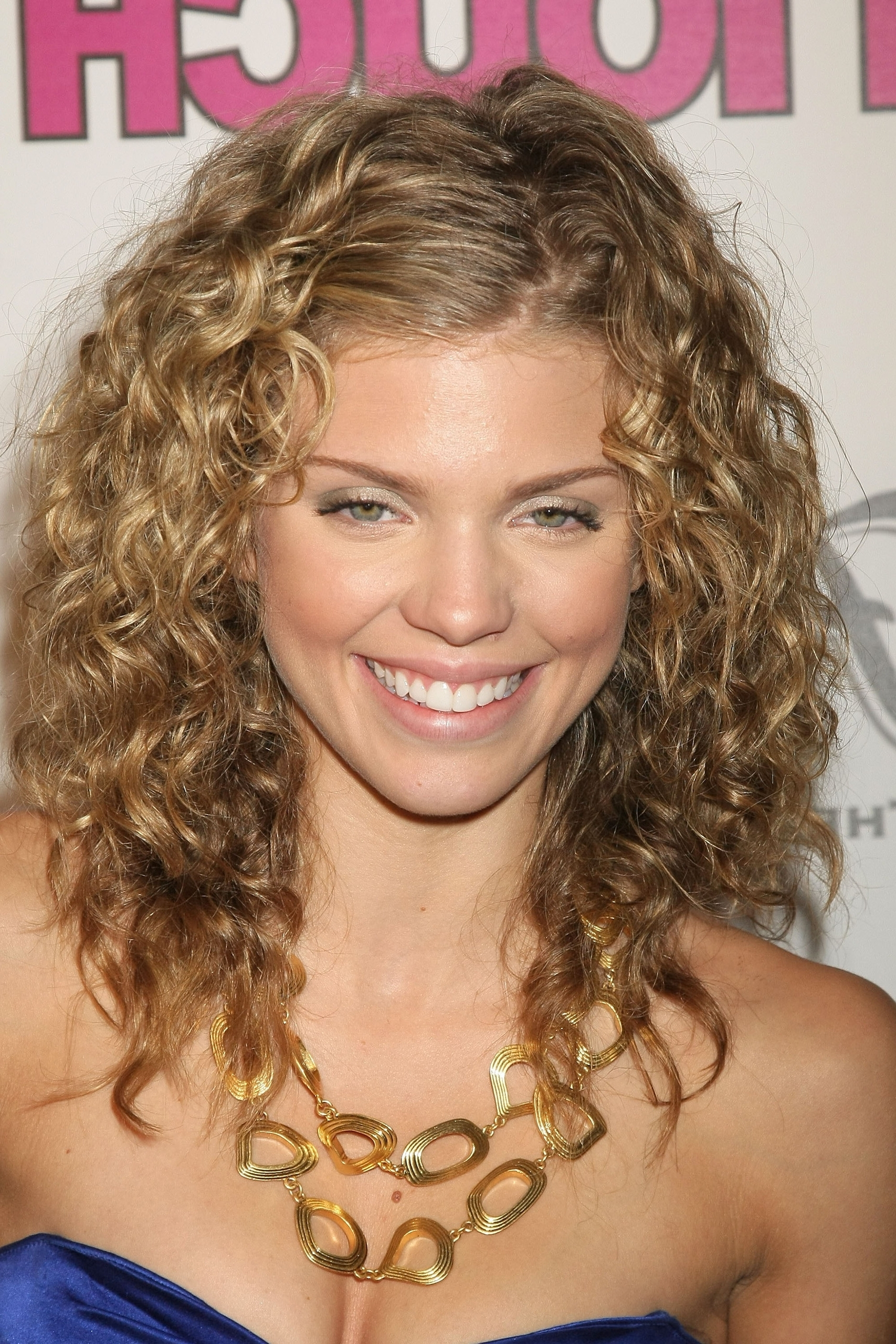 Wedding Hairstyles For Naturally Curly Hair – Hairstyle For Women & Man Regarding Most Current Wedding Hairstyles For Naturally Curly Hair (View 8 of 15)