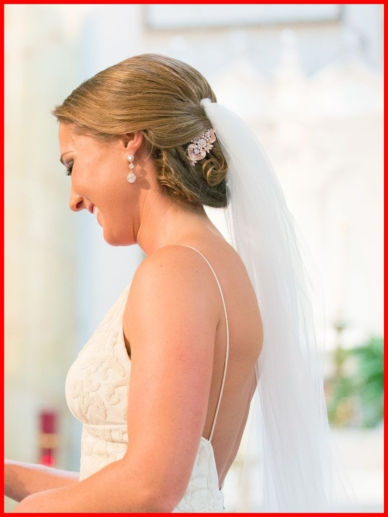 Wedding Hairstyles For Short Hair With Veil 50333 15 Beautiful Inside Trendy Wedding Hairstyles For Short Hair And Veil (View 8 of 15)