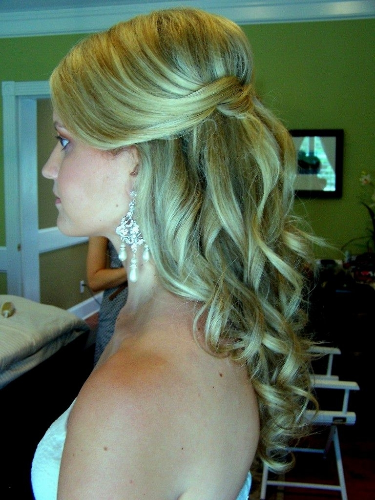 Wedding Hairstyles Half Up Half Down For Medium Length Hair Intended For Latest Wedding Down Hairstyles For Medium Length Hair (View 14 of 15)