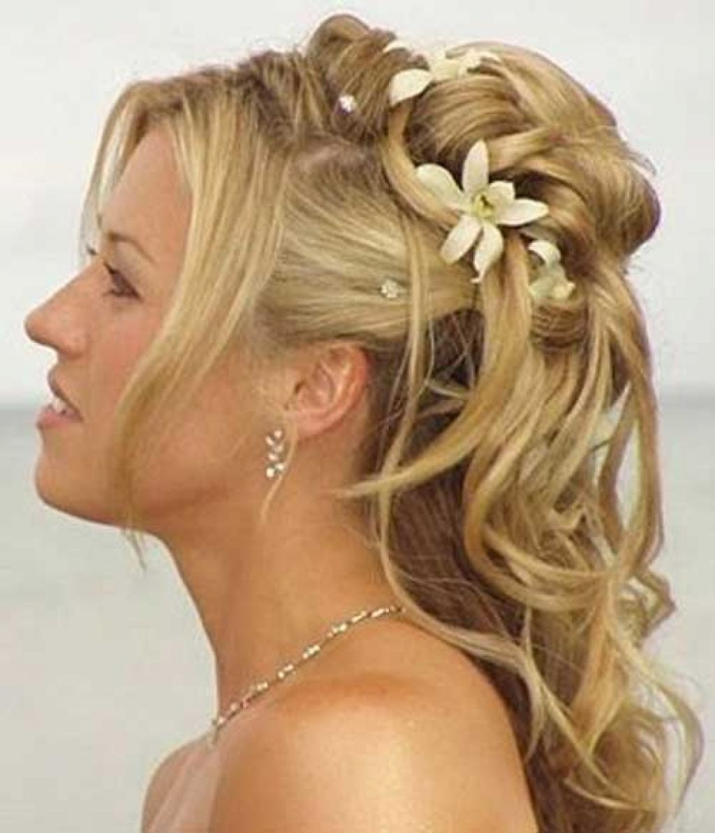 Wedding Hairstyles Ideas: Creating The Fresh Outlook Through The Inside 2018 Beach Wedding Hairstyles For Long Curly Hair (View 14 of 15)