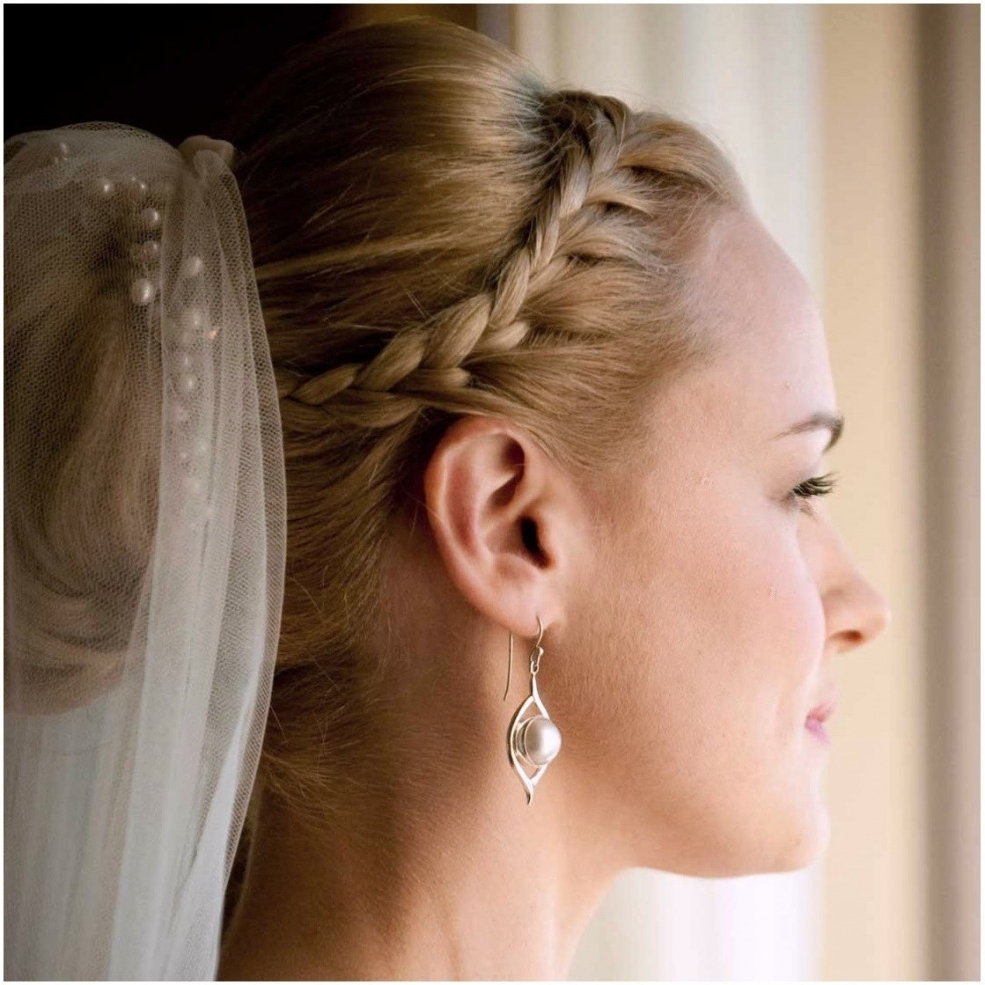 Wedding Hairstyles With Tiara And Veil – Wedding Party Decoration Throughout Fashionable Wedding Hairstyles With Veil And Tiara (View 15 of 16)