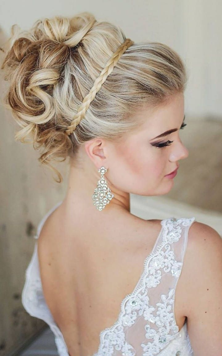 Featured Photo of Modern Wedding Hairstyles For Bridesmaids