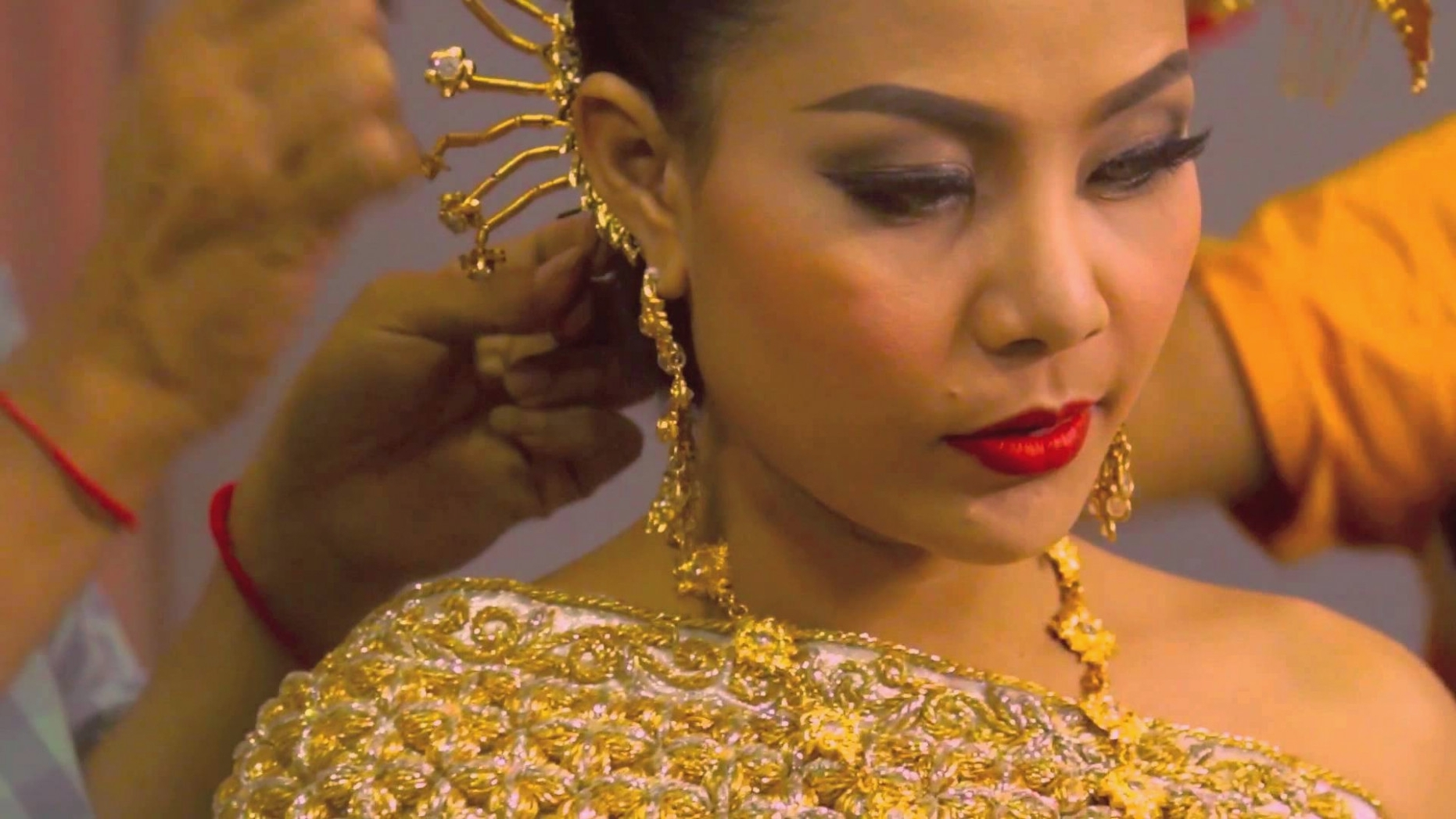 Well Known Khmer Wedding Hairstyles For Dressed In Traditional Khmer Wedding For Aaliyah – Youtube – Khmer (View 15 of 15)