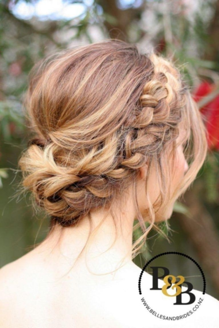 Well Known Wedding Hairstyles For Medium Hair For Bridesmaids Within Unique Pinterest Wedding Updos – Razanflight (View 5 of 15)