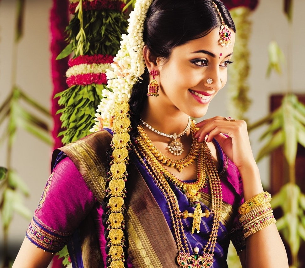 Well Known Wedding Hairstyles For Sarees For Give A Try To Variety Of Hairstyles For Your Kerala Wedding Sarees (View 12 of 15)