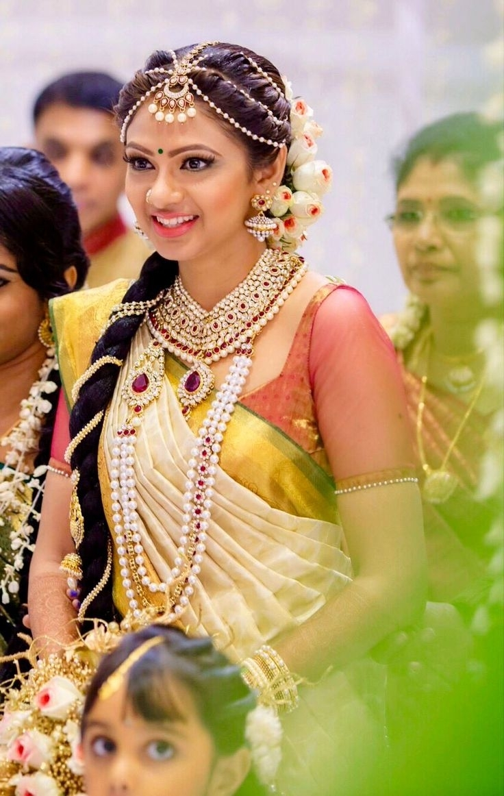 Widely Used South Indian Tamil Bridal Wedding Hairstyles With Regard To 490 Best South Indian Brides Images On Pinterest (View 6 of 15)