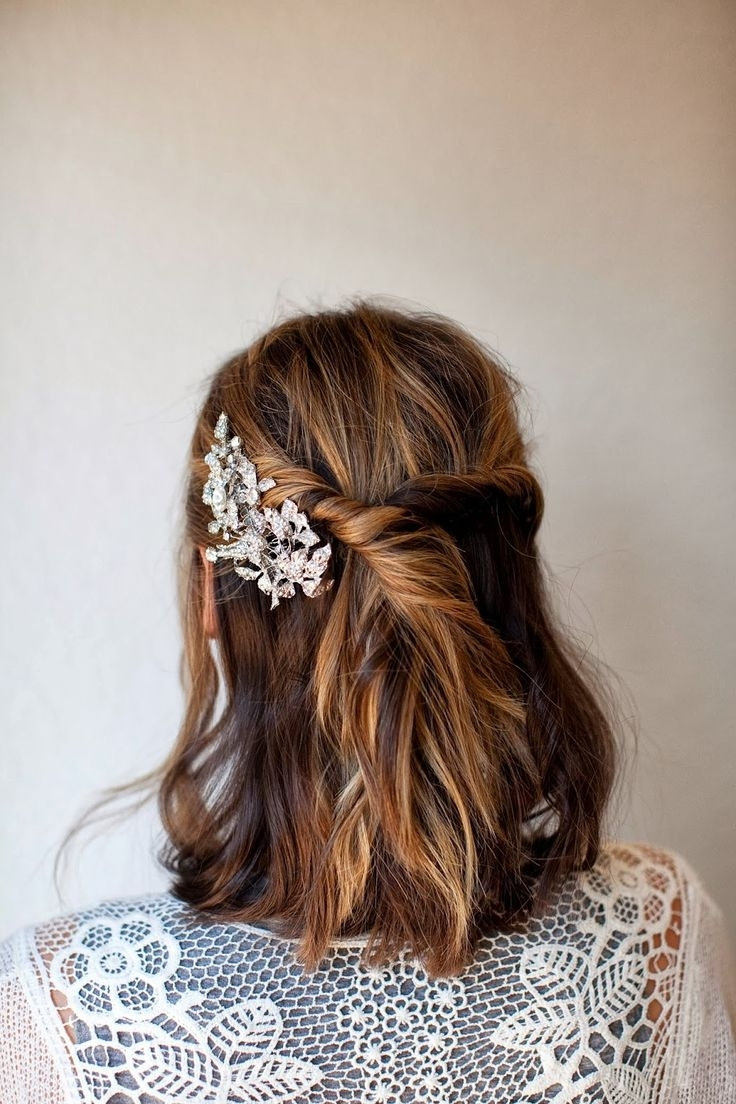 Widely Used Wedding Hairstyles That You Can Do At Home For Best Easy Wedding Updo Ideas On Pinterest Bridal Hairstyles Diy At (View 15 of 15)