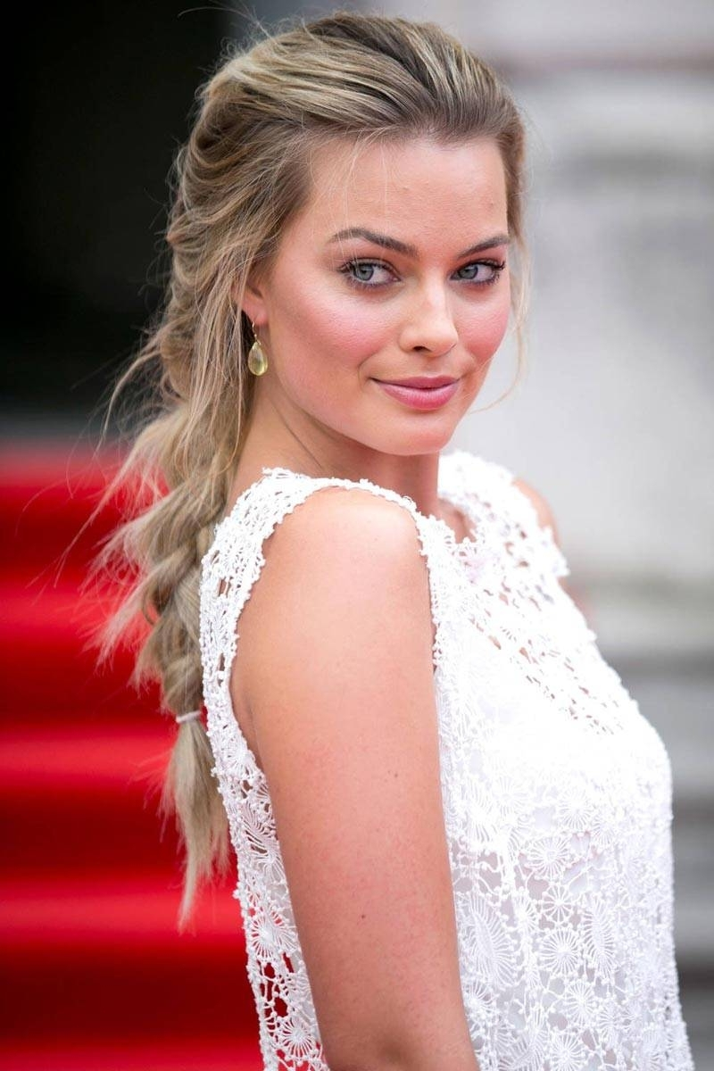 10 Pretty Braided Hairstyles To Try For Winter – Pretty Designs Regarding Famous Red Carpet Braided Hairstyles (View 2 of 15)