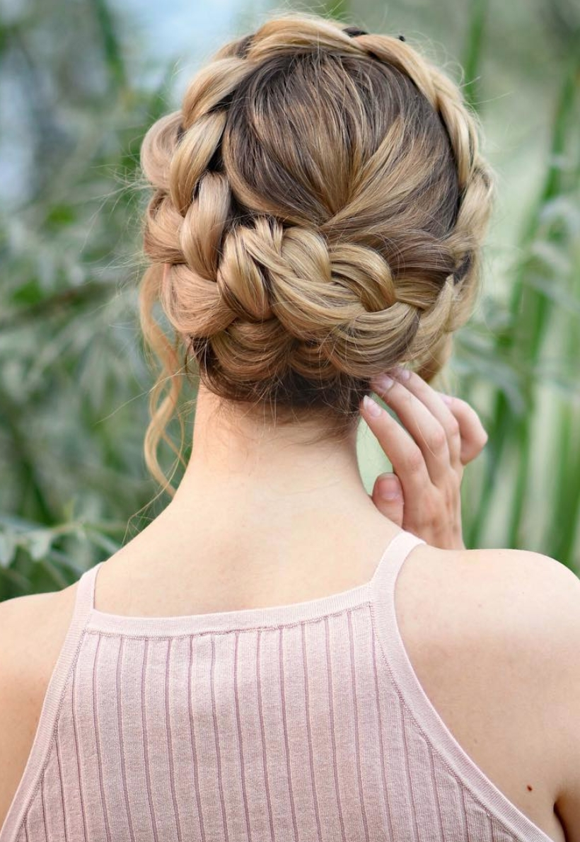 Well Known Elegant Braid Hairstyles Inside 8 Halo Braid Hairstyles That Look Fresh And Elegant (View 11 of 15)