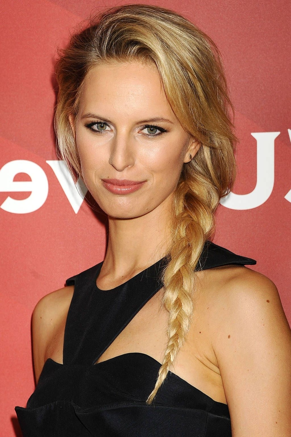 18 Celebrity Braids For Every Occasion (View 1 of 15)
