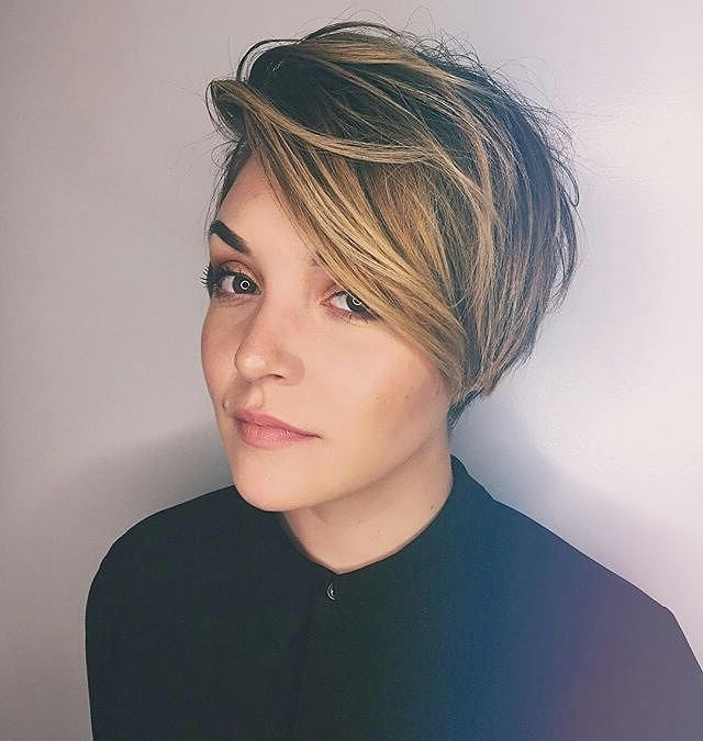 27 Hot Pixie Cuts To Copy In  (View 4 of 15)