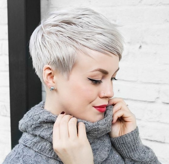30 Perfect Pixie Haircuts For Chic Short Haired Women Intended For 2018 Long Tapered Pixie Haircuts With Side Bangs (View 3 of 15)