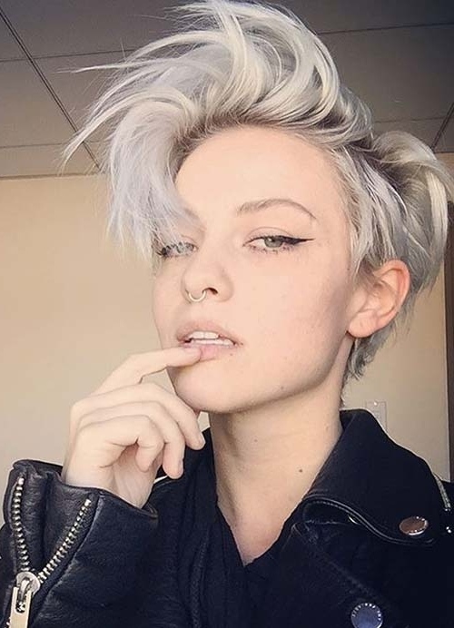 55 Short Hairstyles For Women With Thin Hair (View 2 of 15)