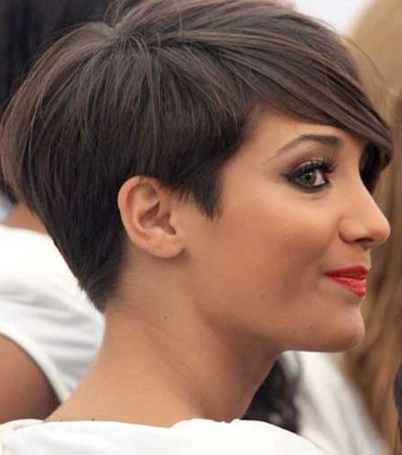 70 Smashing Pixie Haircut Trends For 2018 – Hairstylecamp Intended For Famous Tapered Pixie Haircuts With Long Bangs (View 5 of 15)
