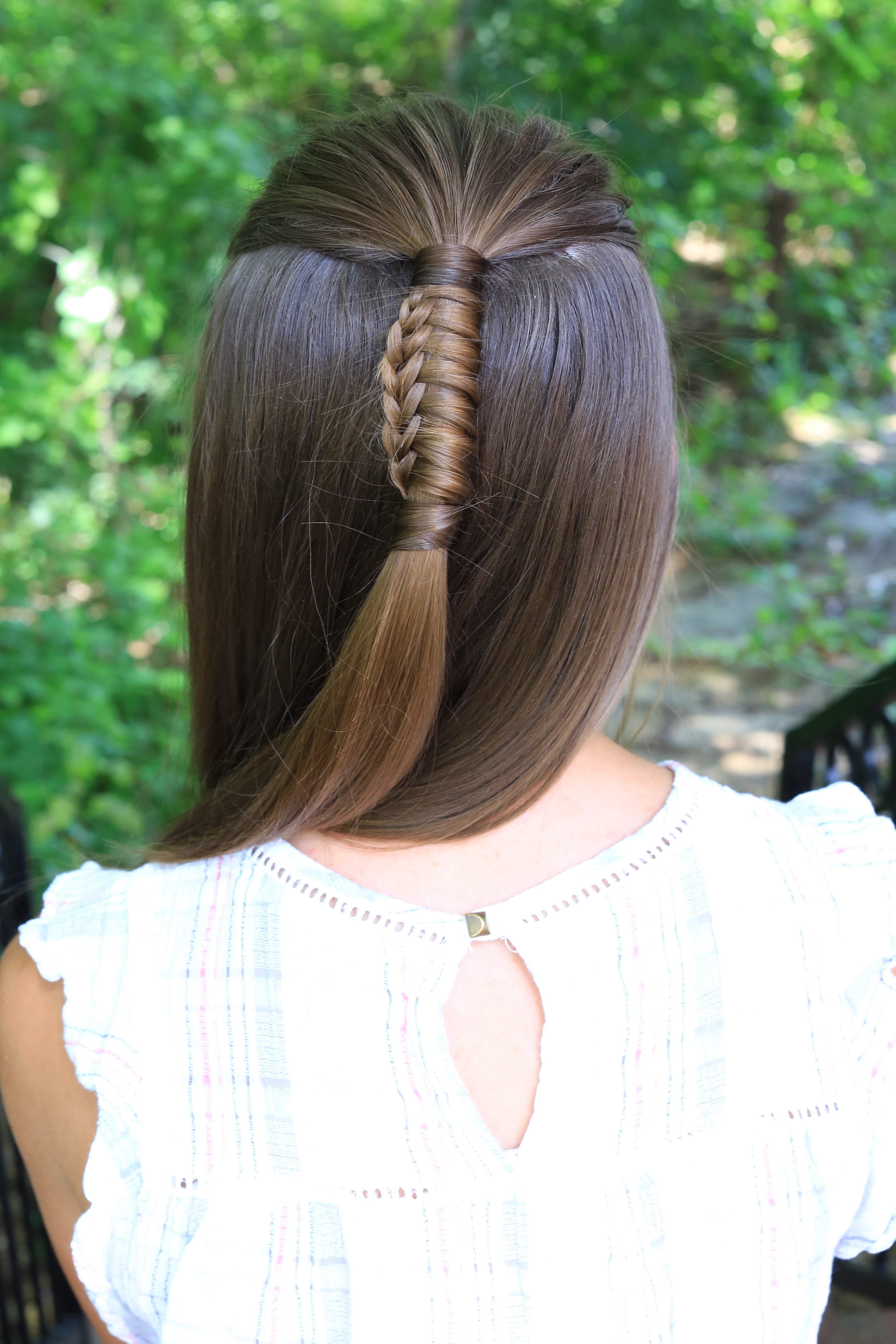 Featured Photo of Reverse Braid And Side Ponytail