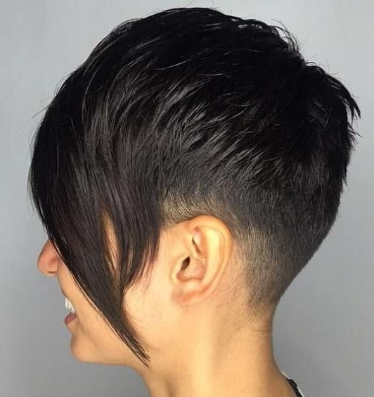 Famous Long Tapered Pixie Haircuts With Side Bangs Within 60 Cute Short Pixie Haircuts – Femininity And Practicality (View 8 of 15)