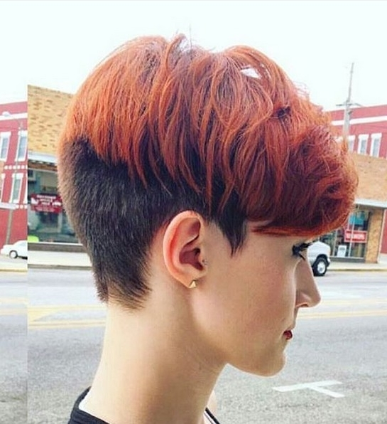 Famous Two Tone Pixie Haircuts Pertaining To 20 Shorter Hairstyles Perfect For Thick Manes – Popular Haircuts (View 7 of 15)