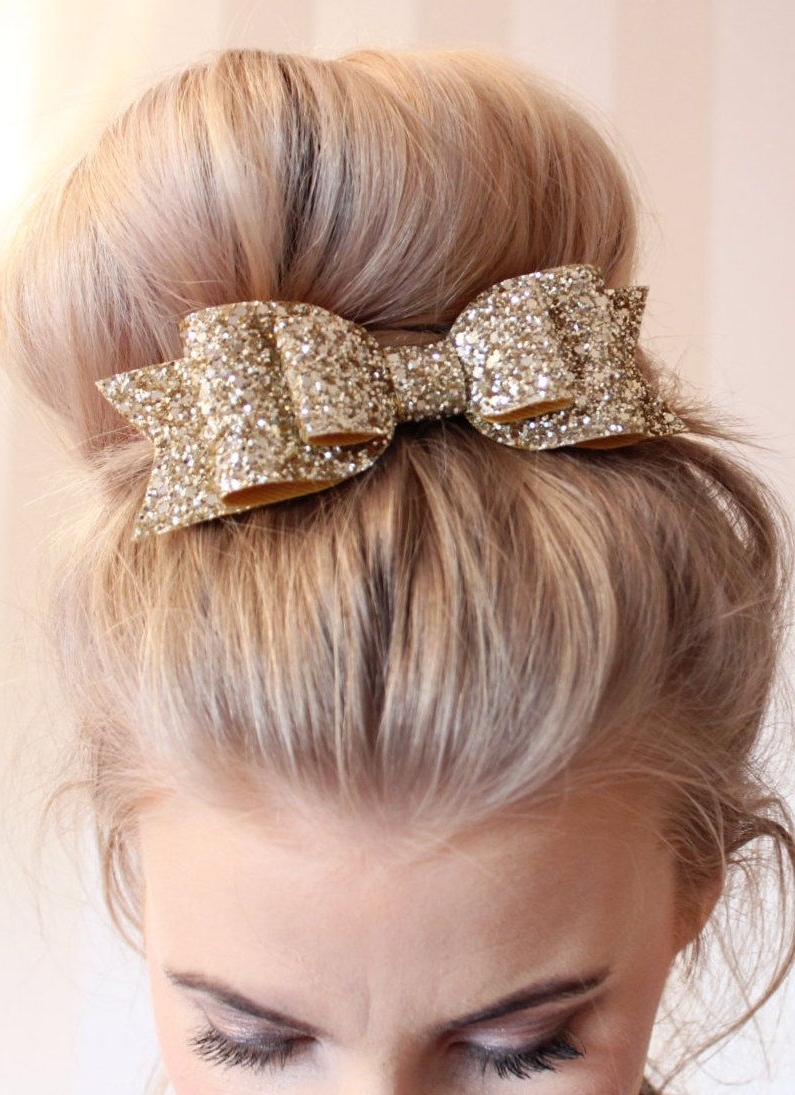 Oversized Large Pale Gold Glitter Fabric Bow Hair Clip!!! (View 11 of 15)
