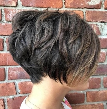 Trendy Women » Piecey Cut With Subtle Balayage For Trendy Piece Y Haircuts With Subtle Balayage (View 14 of 15)