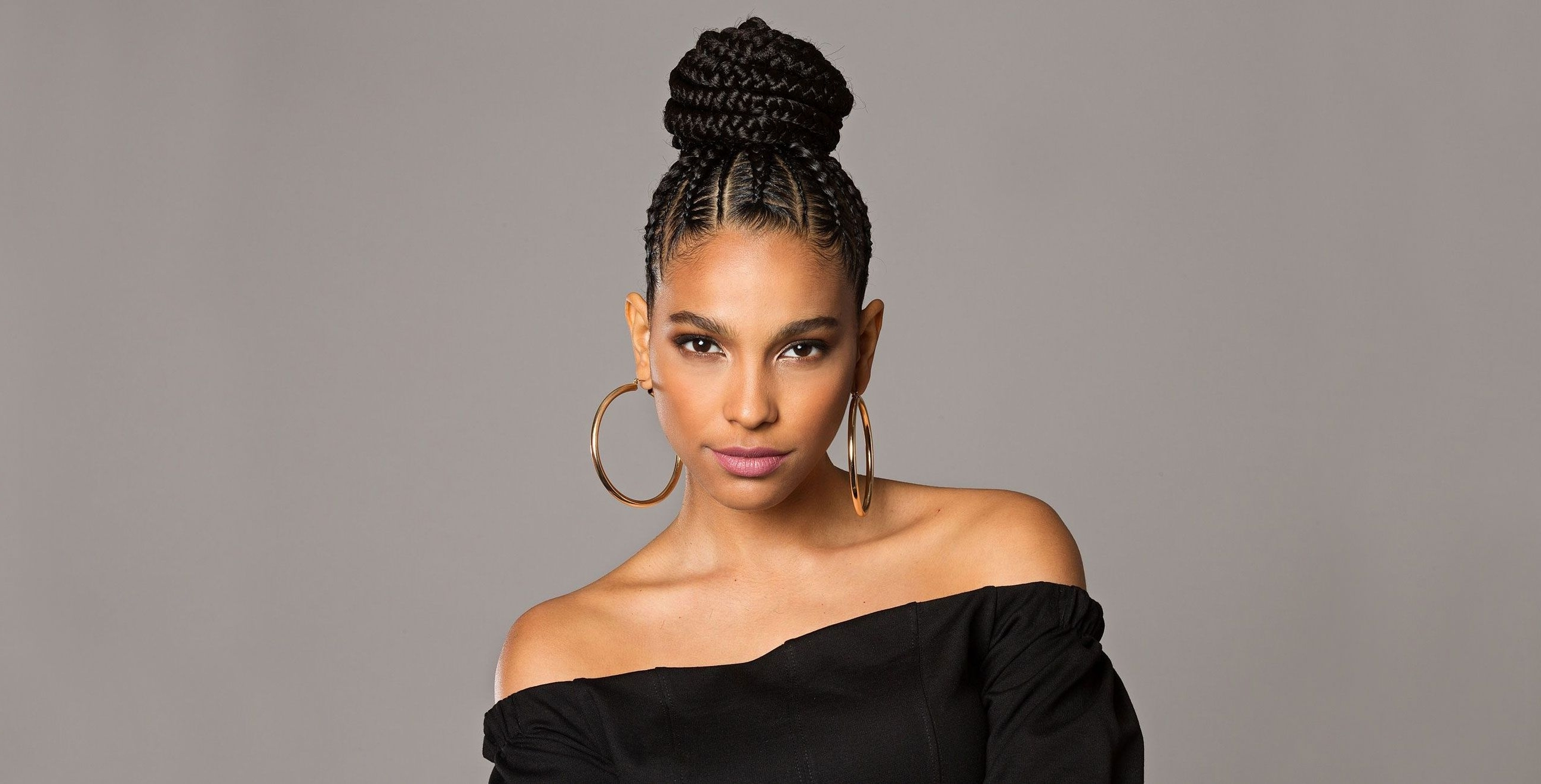 Featured Photo of Two Toned Fulani Braids In A Top Bun