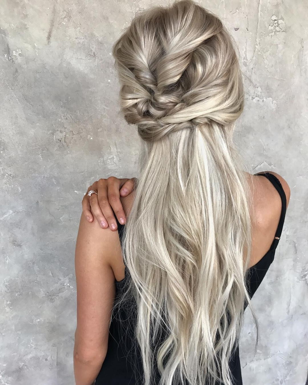 10 Messy Braided Long Hairstyle Ideas For Weddings & Vacations In Most Recently Released Ash Blonde Half Up Hairstyles (View 2 of 20)