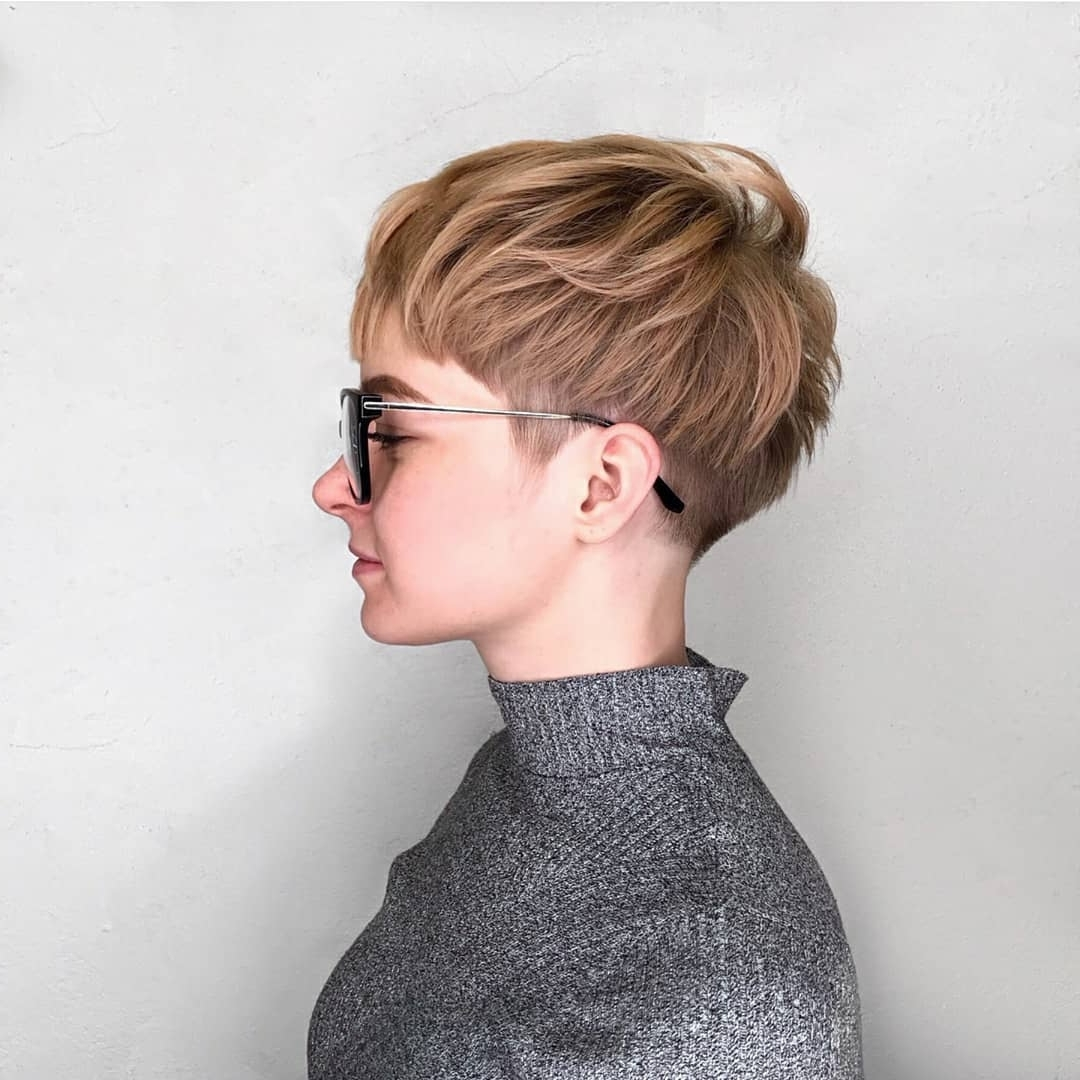 10 Stylish Pixie Haircuts – Women Short Undercut Hairstyles 2018 – 2019 In Recent White Blonde Hairstyles With Dark Undercut (View 12 of 20)
