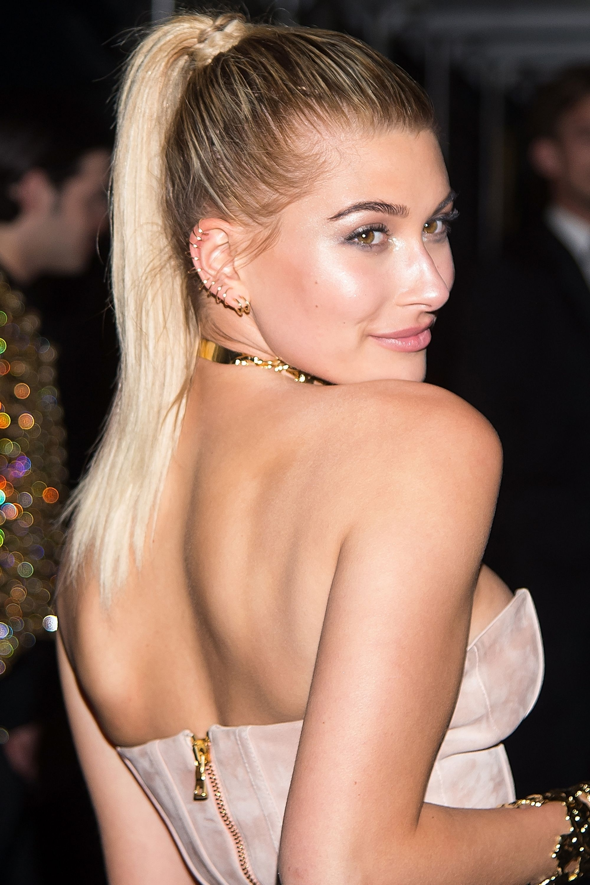 20 New Ways To Wear A Ponytail – Best Celebrity Ponytails Of 2017 Within Well Known Poofy Pony Hairstyles With Face Framing Strands (View 5 of 20)