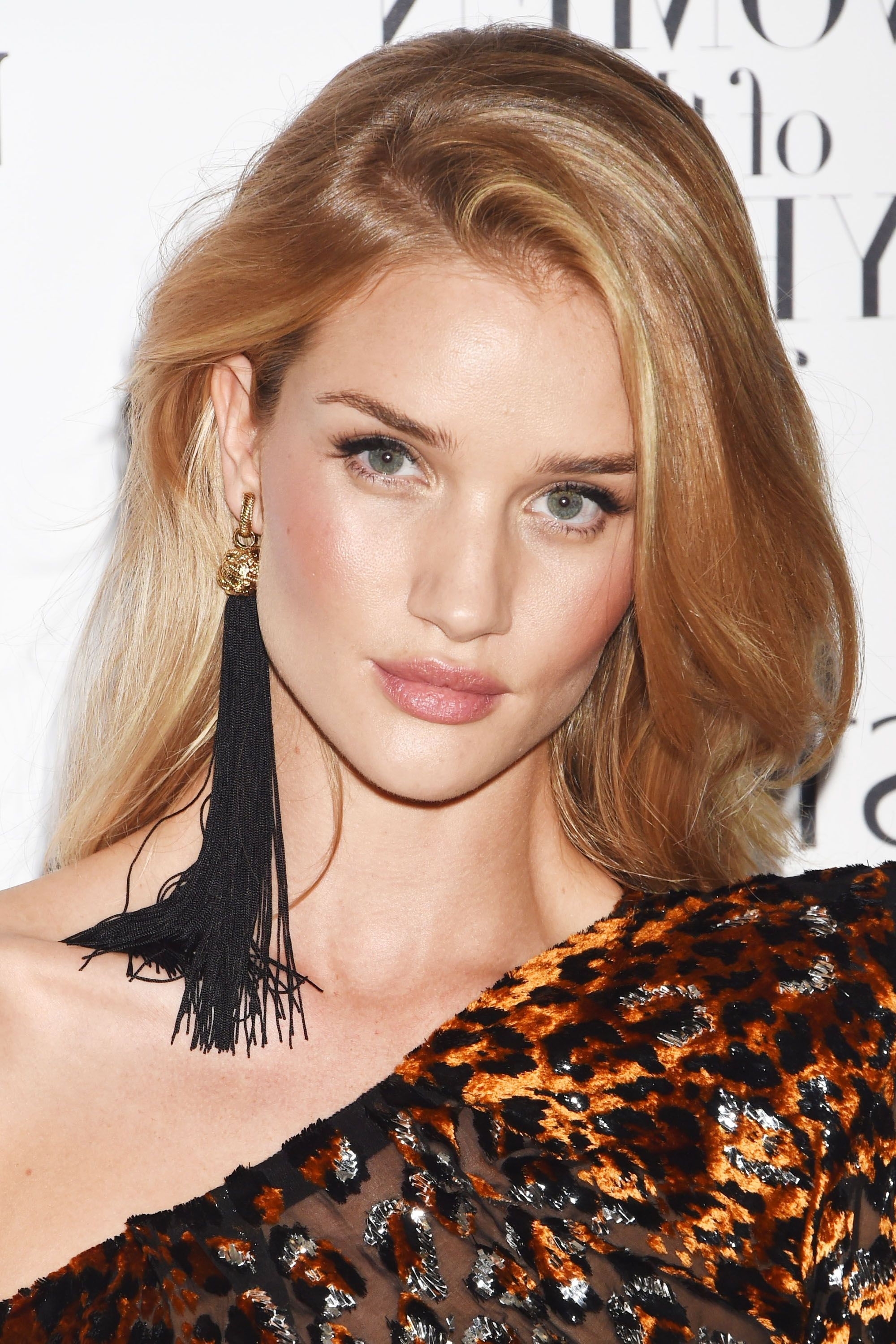 2017's Honey Blonde Hair Color Shades – Dirty Blonde And Honey Intended For Recent Light Ash Locks Blonde Hairstyles (View 3 of 20)