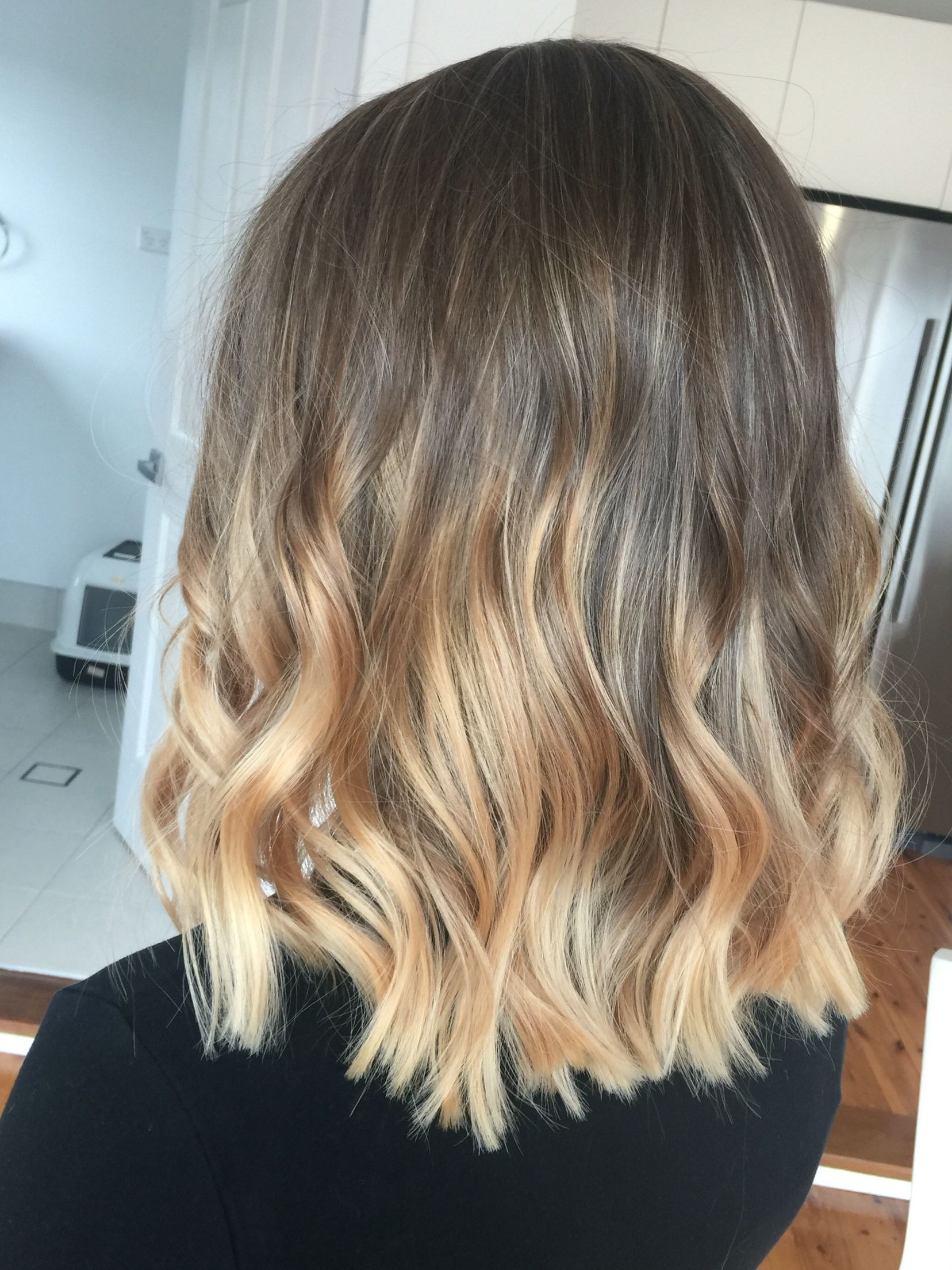 2018 Dishwater Blonde Hairstyles With Face Frame With Lived In Hair Colour Blonde Brunette Golden Tones Balayage Face (View 9 of 20)
