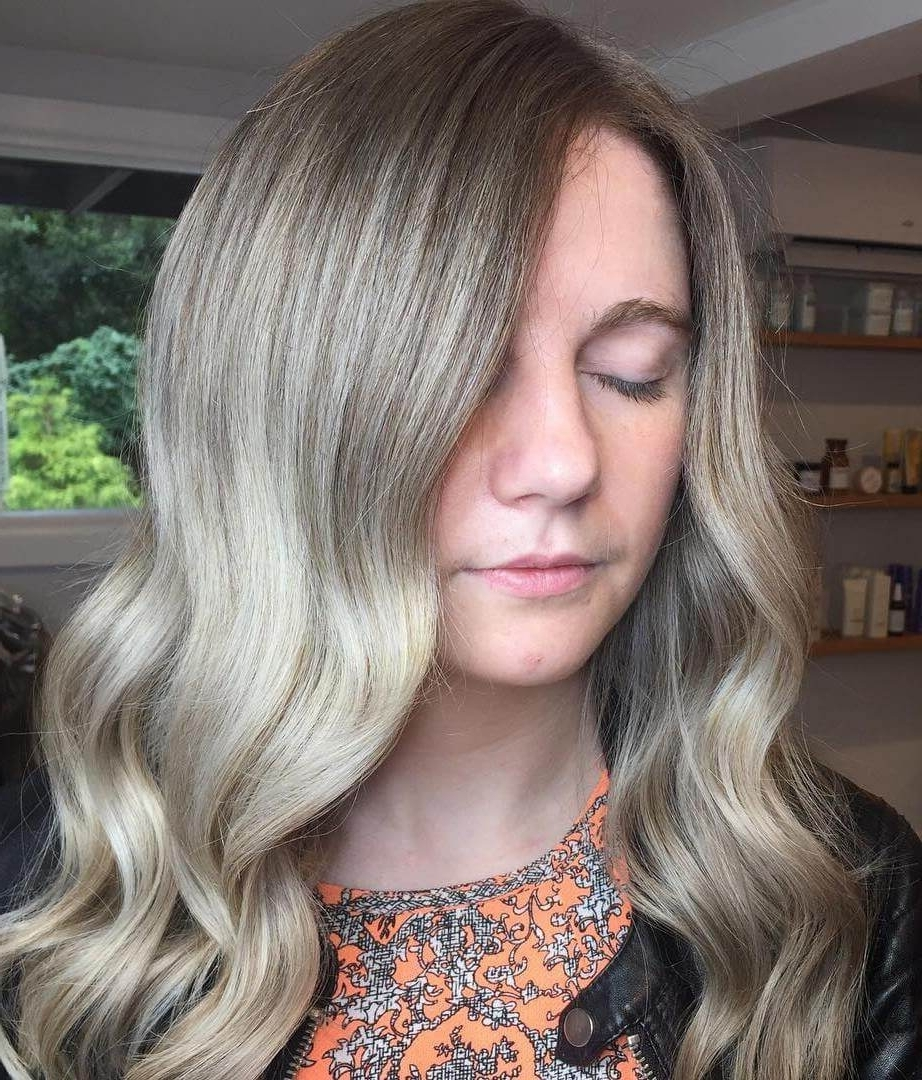 22 Gorgeous Medium Hairstyles For Thick Hair Women Within Popular Side Swept Warm Blonde Hairstyles (View 3 of 20)