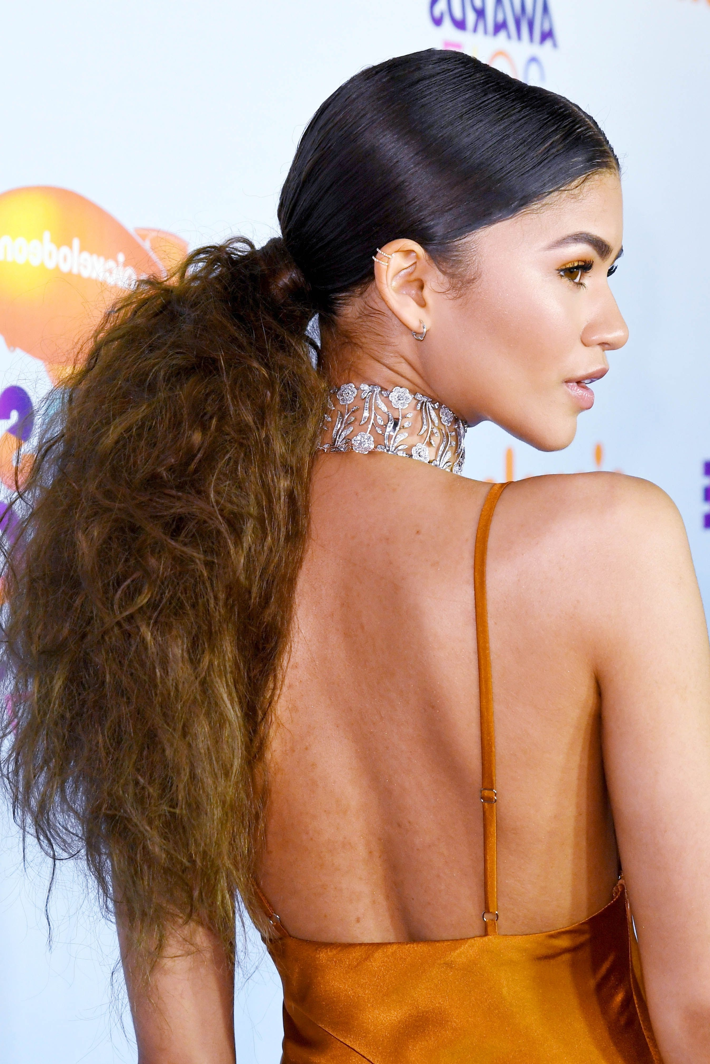 23 Cute Ponytail Hairstyles – Best Celebrity Ponytails Of 2017 – Elle Inside Best And Newest Center Parted Pony Hairstyles (View 2 of 20)