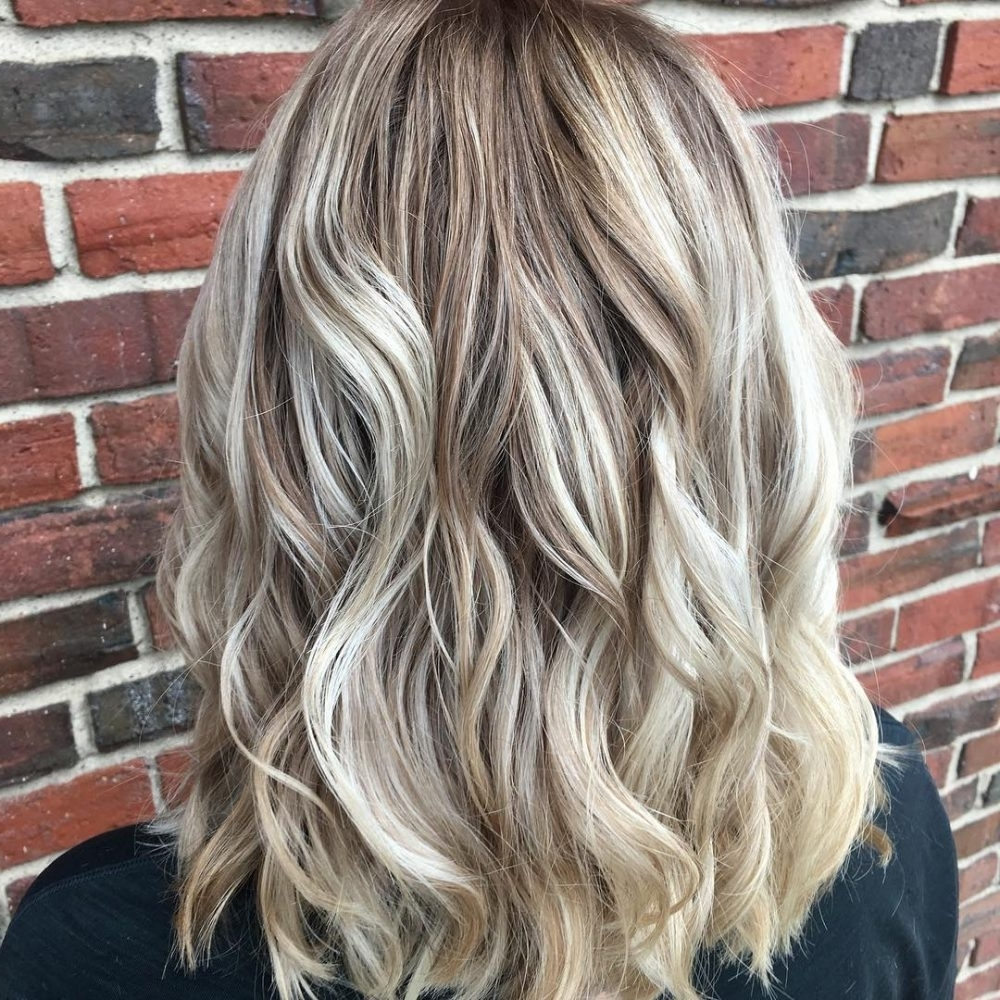 28 Blonde Hair With Lowlights So Hot You'll Want To Try'em All (New Regarding Latest Contrasting Highlights Blonde Hairstyles (View 3 of 20)