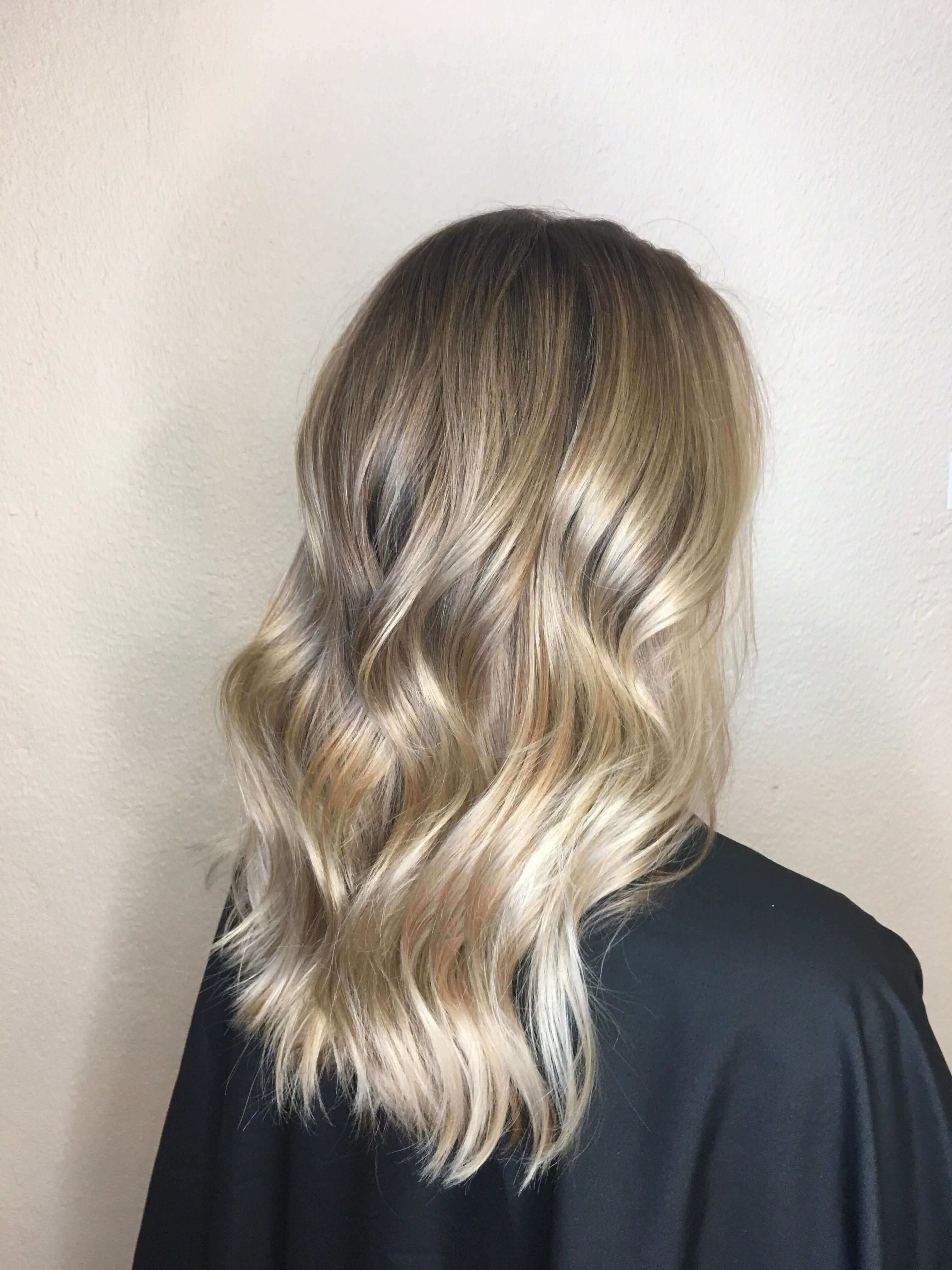 30 Blonde Medium Hairstyles Ideas For Women Intended For Current Dishwater Waves Blonde Hairstyles (View 3 of 20)