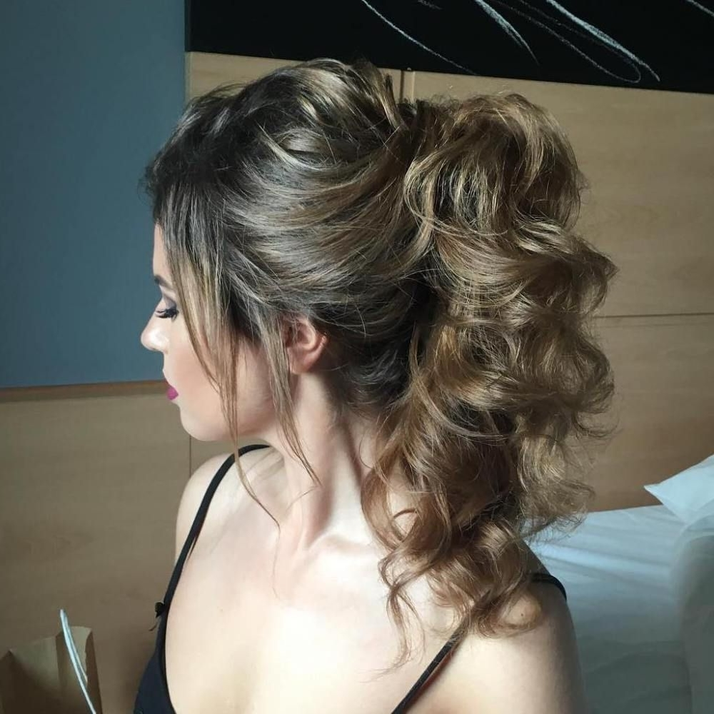 30 Eye Catching Ways To Style Curly And Wavy Ponytails (View 1 of 20)