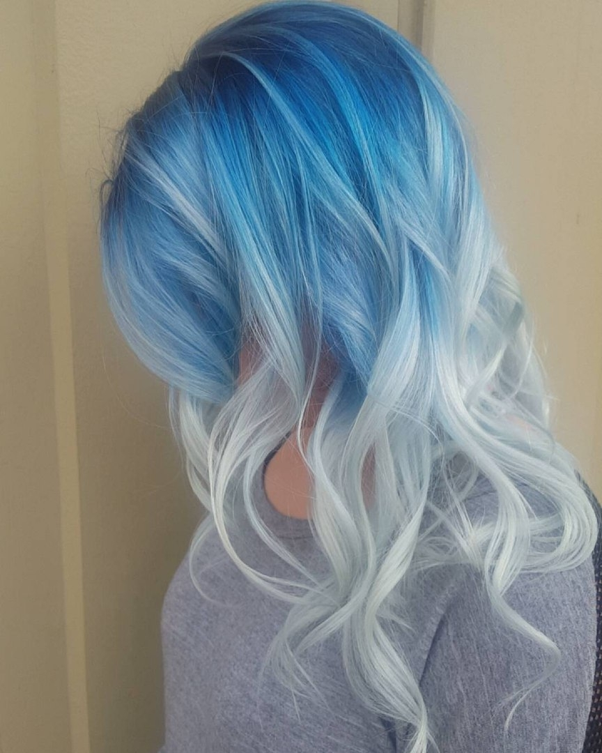 30 Icy Light Blue Hair Color Ideas For Girls With Fashionable Dark Roots And Icy Cool Ends Blonde Hairstyles (View 18 of 20)